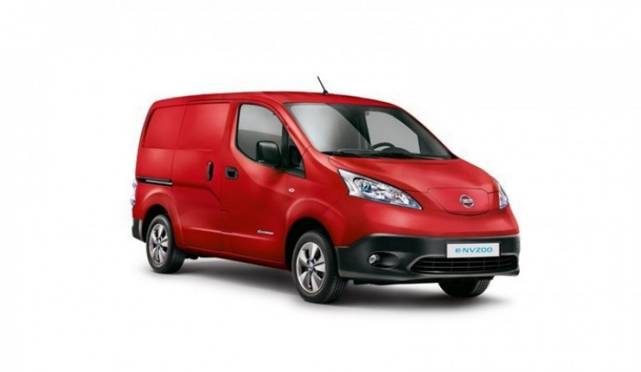 Nissan introduces market leading five year warranty on the all electric 34749