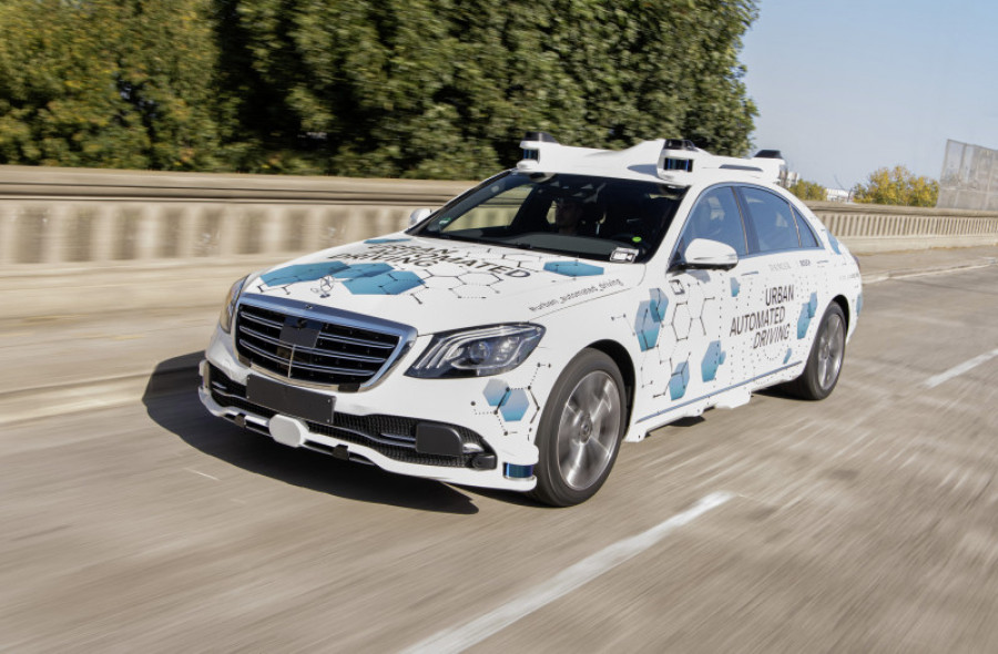 1 mercedes urban automated driving 27 56897